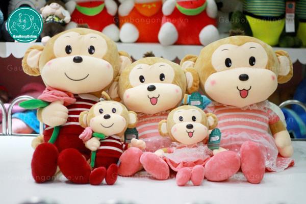 Gia đình Khỉ ôm hoa luôn tươi cười ngoan ngoãn ngồi chờ bạn rước về nhà đó!!