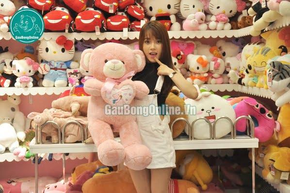 teddy ôm tim gấu