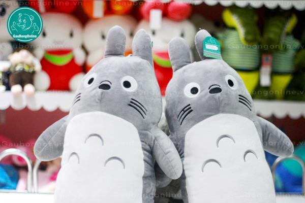 Em Totoro ôm này dài 80cm, giá chỉ 235.000đ