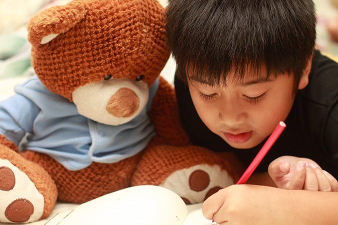 dạy trẻ tư duy với thú bông