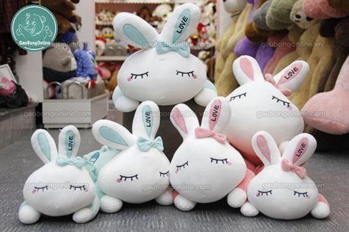 Thỏ bông xinh xắn, dễ thương