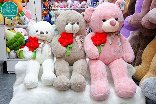 Gấu Bông Teddy Nơ Ôm Hoa Hồng