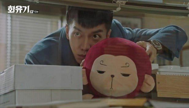 Vẻ mặt của khỉ bông Hoa Du Ký đáng ghét như chủ của nó vậy
